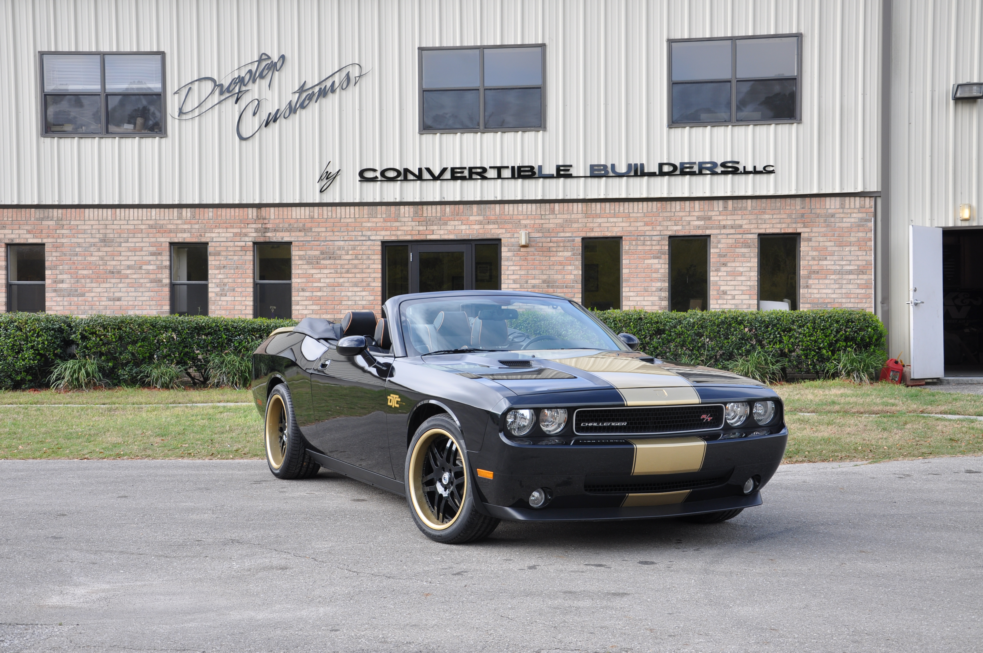 Black and Gold Challenger 4